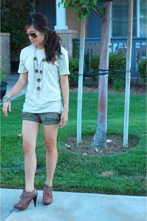 brown Forever 21 shoes - green Abercrombie shorts - beige Juicy Couture shirt -