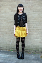 Forever 21 vest - urban og stockings - Forever 21 top - Forever 21 wedges