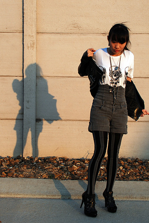 Urban Outfitters shirt - Urban Outfitters tights - Forever21 shorts - GoJane sho