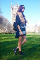 cut-out Fashion Union boots