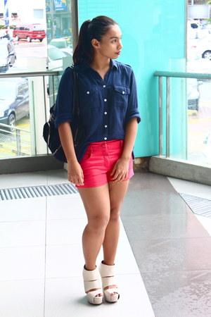 red H&M shorts - black shoulder bag Armani Exchange bag - navy Topshop top