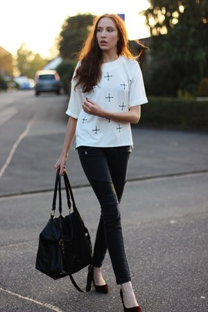 black chic heels - black biker Vero Moda jeans - white cross Poppy Lovers shirt