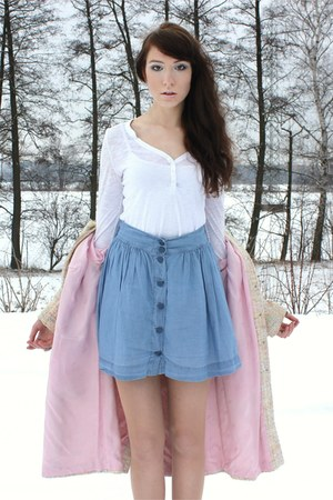 camel vintage coat - white shirt - sky blue skirt