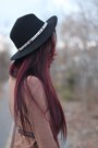 Black-zara-hat-crimson-top-hat-cambridge-satchel-co-bag