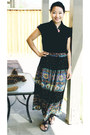 Cotten-indian-skirt-skirt-dark-brown-bata-sandals