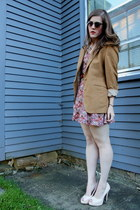 camel thrifted blazer - ruby red floral H&M dress - peach thrifted heels