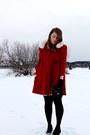 Brick-red-vintage-jacket-black-hue-tights-black-winners-purse-black-payles