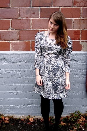 blue Forever 21 dress - black HUE tights - silver Awear necklace
