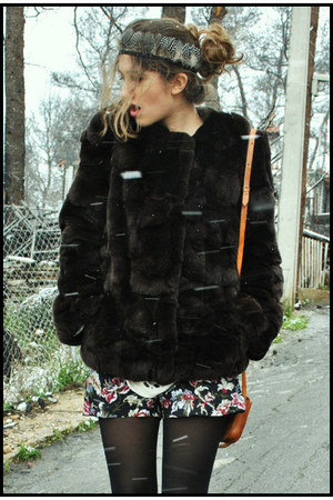 vintage coat - vintage bag - Urban Outfitters shorts