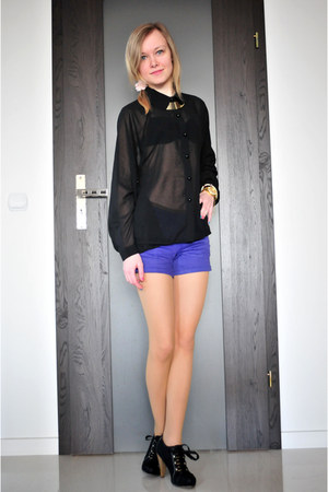 black Deichmann boots - black Bershka shirt - blue Tally Weijl shorts