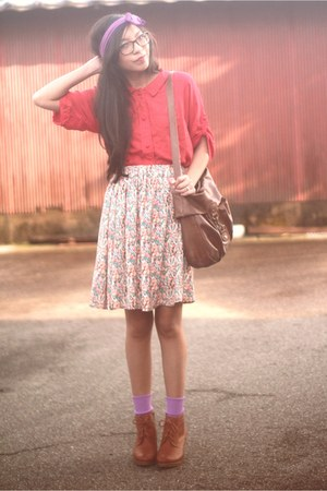 tawny lace up boots Uniqlo boots - red Urban Outfitters shirt - amethyst bow Ant