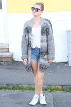 Self Made cardigan - Levis shorts - converse light Converse sneakers