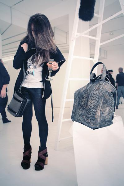 Sang A Bag