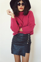 knitsweaterpink sweater - skortsleather skirt