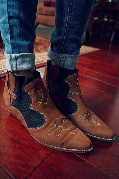 La Marca boots