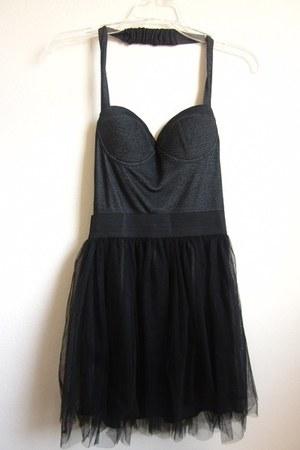 no dress