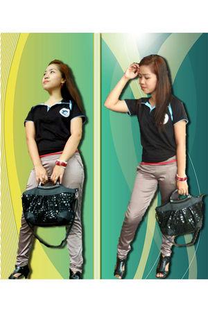 black shirt - red belt - gray pants - black shoes - black bag