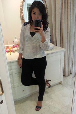 black Zara leggings - white Zara blouse - gold Marc by Marc Jacobs watch