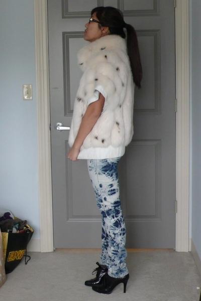 vintage vest - Levi jeans - Elie Tahari shoes - shirt