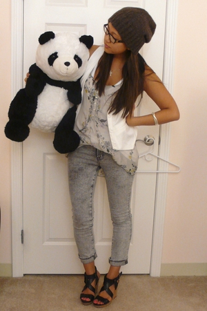 J Brand jeans - Alexander Wang shirt - Gilly Hicks shirt - UO vest - Zara shoes