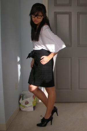 Love YaYa shirt - Club Monaco skirt - Elie Tahari shoes - Ray Ban glasses
