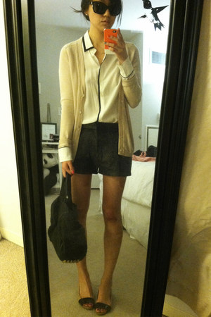 black Alexander Wang bag - nude bcbg max azria shoes