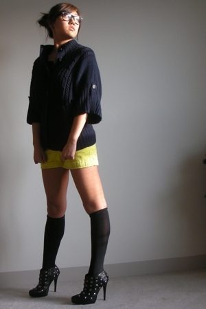 banana republic sweater - JCrew shorts - Colin Stuart shoes