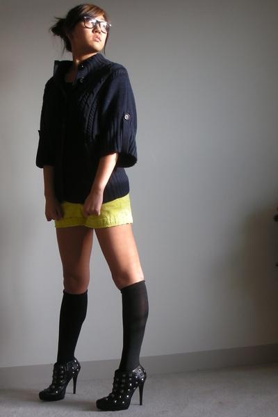 banana republic sweater - JCrew shorts - Colin Stuart shoes