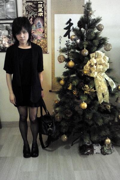 black dotted Topshop tights - black uniform shoes haru shoes - black Uniqlo