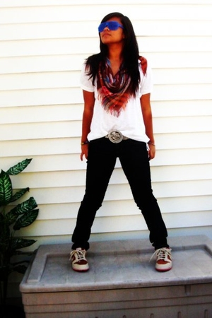 American Eagle blouse - mandees pants - Nike Dunk Supreme shoes - Charlotte Russ
