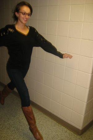 black Forever 21 shirt - Forever 21 jeans - Gianna boots