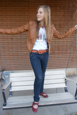 bronze Target jacket - ruby red Forever young shoes - white DIY shirt
