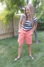 Salmon-thrifted-shorts-black-rue-21-belt-navy-valshi-top