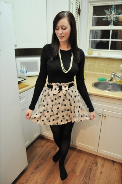 Black Forever 21 Tops, Cream Modcloth Skirts, Black Walmart Tights ...