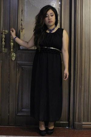 black dress - black urbaine heels
