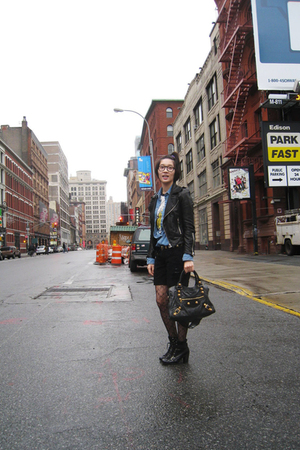 vintage - Topshop shirt - Junk Food t-shirt - Siwy Denim - Nine West boots - bal
