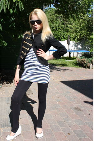 white shoes - black leggings - pull&bear blouse - black H&M blazer - silver BikB