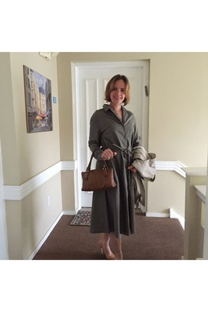 brown purse coach purse - olive green dress - tan trench coat coat