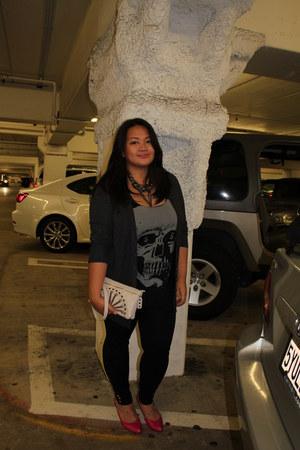 black skull Urban Outfitters shirt - cream nicole lee bag