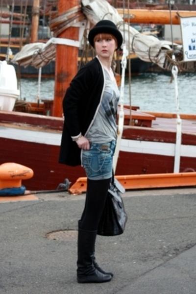 DIY shorts - Bik Bok t-shirt - vintage sweater - Hutbusch hat - Lille Vinkel Sko