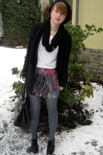 H&M blazer - Indiska tights - H&M t-shirt - Topshop skirt - DinSko boots