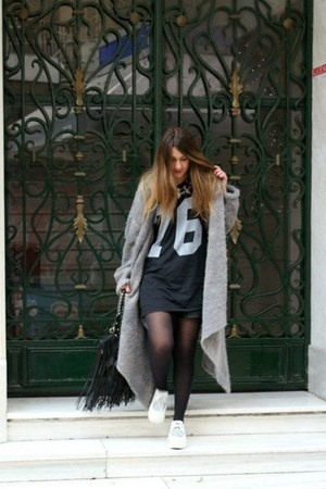 vintage cardigan - creepers shoes - fringe chicnova bag - silver H&M necklace
