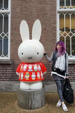 ivory Miffy the Bunny by Dick Bruna Mercis top - black Joy Division leggings