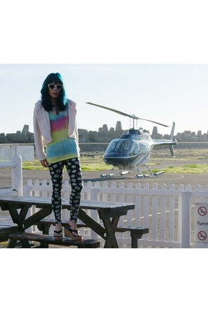 rainbow tie dye gladnews shirt - aquamarine cat eye Dolce & Gabbana sunglasses