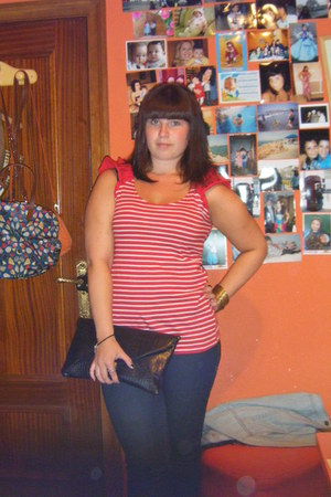 black Primark bag - red Primark t-shirt - red Marypaz wedges - yellow Pull and B