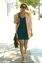 peach oversized vintage blazer - cream open toed Jeffrey Campbell shoes