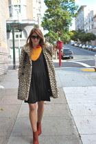 mustard simple zip Marc by Marc Jacobs sweater - black jumper vintage dress
