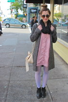 black ankle Mtng boots - pink tunic vintage dress