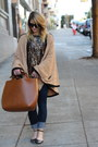 Black-ankle-strap-zara-shoes-tawny-oversized-tote-zara-bag