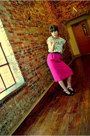 thrifted belt - thrifted dress - Steve Madden shoes